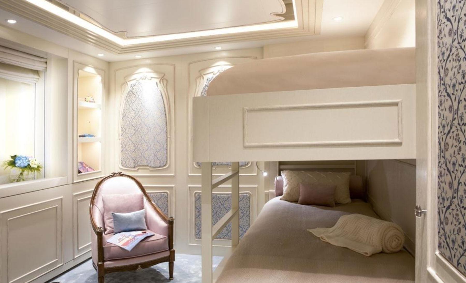 vip-bedroom-04